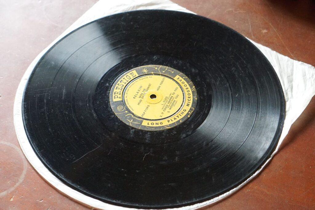 カビたレコード