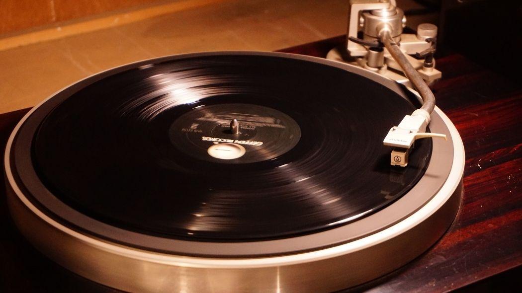 レコードの聴き方を解説