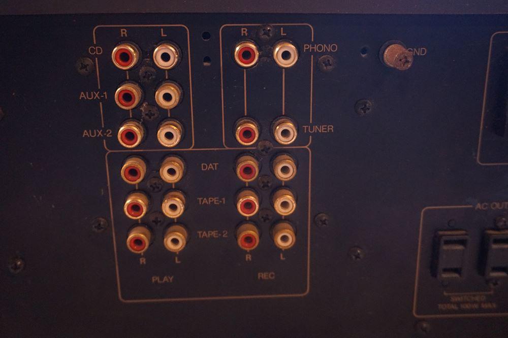 アンプとプレーヤーの接続方法